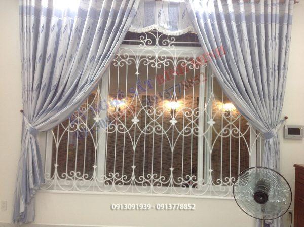 Bông bảo vệ cửa sổ